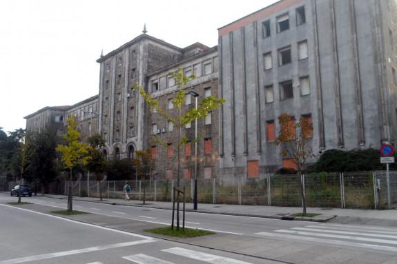 El viejo Provincial cesaba su actividad por completo en 2003 y, desde entonces, sigue sin uso - FOTO: L.E.