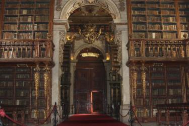 Interior de la Biblioteca Joanina, en Coímbra - FOTO: EFE