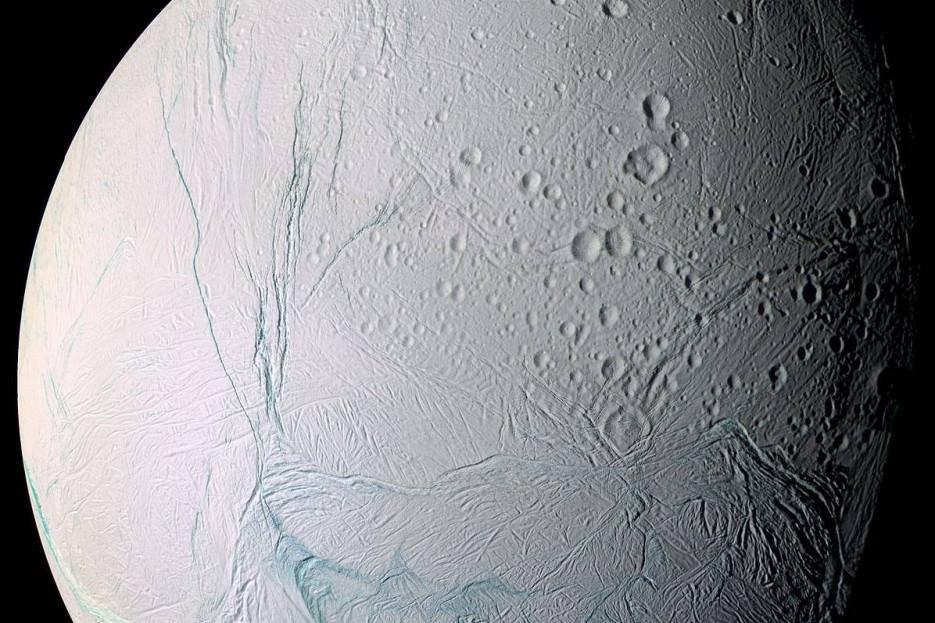 Encélado - FOTO: WIKIPEDIA