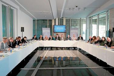 O conselleiro de Cultura, Román Rodríguez, presidiu a primeira xuntanza de traballo