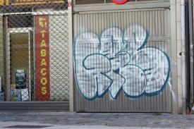 Oleada de pintadas y grafitis en la rúa Pastoriza