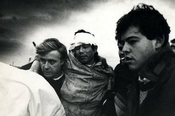 Los días siguientes al naufragio del Cason fueron de tensión y caos en Fisterra y Corcubión - FOTO: Manolo Blanco