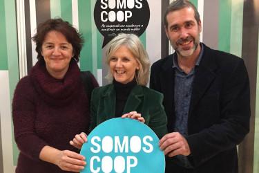 CAMPAÑA Alba Paz, subdirectora xeral de Economía Social; desde a esq., Covadonga Toca, secretaria xeral de Emprego; e Celso Gándara, presidente de EspazoCoop