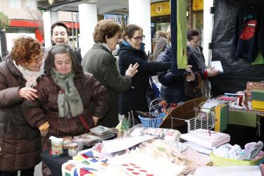 Mercadillo de Nadal de la asociación Afexdi en la praza Roxa - FOTO: Fernando Blanco