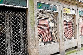 Más borrones en el casco histórico de Santiago