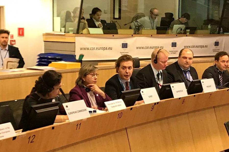 El TÁNDEM Rosa Quintana-Gamallo, expertos ayer ante la Comisión Europea - FOTO: XDG