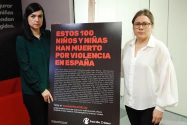 Laura Pérez Picarzo (i), directora de Comunicación de Save the Children España, y Ana Sastre Campo (d), directora de Sensibilización y Políticas de Infancia, durante la presentación de la campaña #LosUltimos100 - FOTO: EFE/ Juan Carlos Hidalgo
