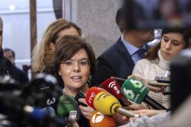La vicepresidenta del Gobierno, Soraya Sáenz de Santamaría, ha asegurado que el voto delegado de una persona huida de la justicia como el expresidente catalán Carles Puigdemont era imposible - FOTO: FE/Emilio Naranjo