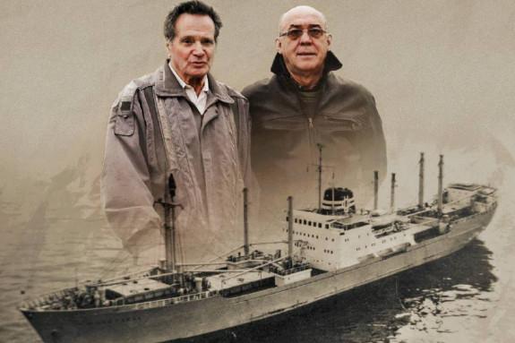 Manuel Rama, izquierda, secretario de la Asociación Long Hope, y Alberto Paz, portavoz de la misma.