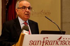 Álvaro Ruibal, jefe de Medicina Nuclear del CHUS.  - FOTO: Fernando Blanco