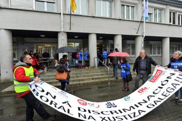 Foto de archivo de una concentración de funcionarios de justicia en A Coruña - FOTO: ALMARA