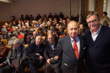 JOSÉ CARRO OTERO, izquierda, y Manuel López-Rivadulla en el Ateneo. - FOTO: Fernando Blanco