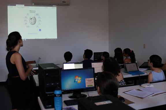 17/03/2018.- Una veintena de alumnos asisten a una clase de formación  - FOTO: EFE