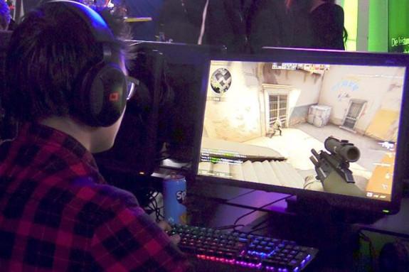 24/03/2018.- Miles de aficionados a los videojuegos se reunieron en Viena en el festival eSports - FOTO: EFE