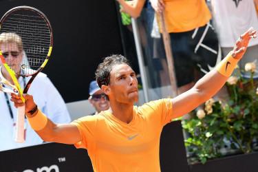 El tenista español Rafa Nadal celebra su victoria ante el italiano Fabio Fognini  - FOTO: Efe