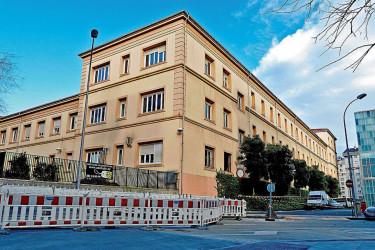 En el ala este del Colegio Calvo Sotelo de la Diputación se está fnalizando la residencia de la UDC - FOTO: Almara