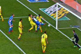 El delantero deportivista Borja Valle anotando su primer gol en Riazor frente al Villarreal hace ocho días - FOTO: Almara