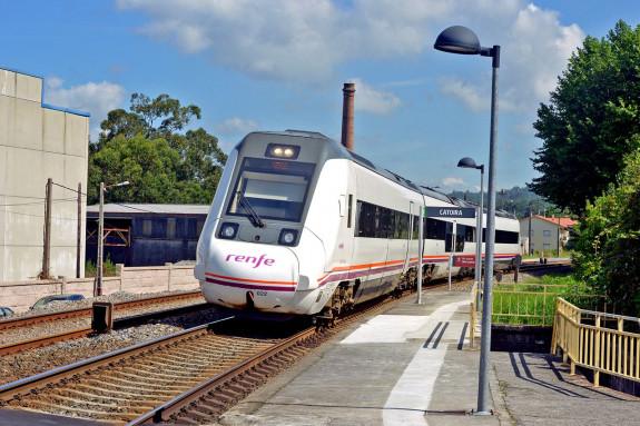 Uno de cada cuatro trenes R599, los más rápidos diésel del Eje Atlántico, circularon sin interventor en 2017 - FOTO: Almara