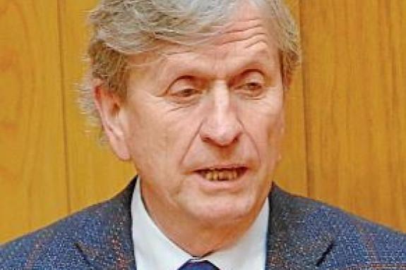 Carlos E. López Crespo, exalcalde de Outes.  - FOTO: F. BLANCO