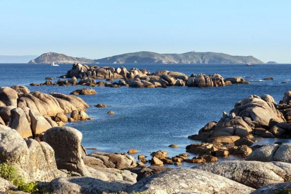La isla de Ons vista desde San Vicente do Mar (O Grove) - FOTO: Luis Miguel Bugallo Sánchez