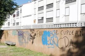 Pintadas en un edificio del barrio de Vista Alegre