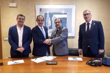 Imagen de la firma del acuerdo entre el Colegio de Odontólogos Estomatólogos de León y A.M.A. - FOTO: A.M.A.