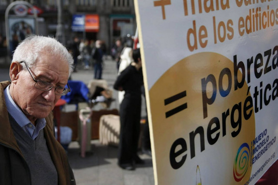 Foto de archivo de una movilización en contra de la pobreza - FOTO: EFE