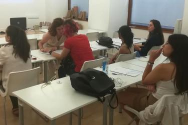 Alumnas durante un curso de su programa Emprégate 2