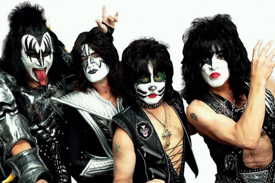 Los Kiss en todo su esplendor, los Ghost y su parafernalia claramente satánica