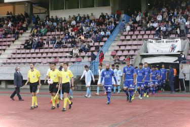 Las imágenes del partido entre el SD Compostela - Boiro