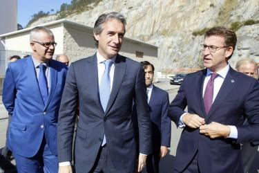 Íñigo de la Serna y Feijóo visitan las obras del Puerto Exterior de Ferrol