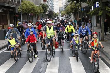 Marcha ciclista por las fiestas del Ensanche