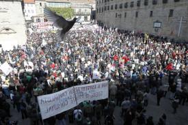 Manifestación en Santiago para protestar por la ola de incendios forestales