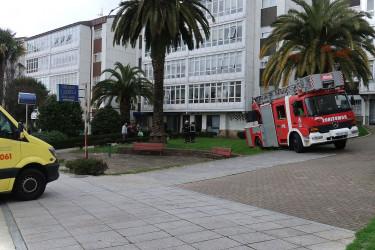 Los bomberos se quedan atascados al ir a auxiliar a una mujer en Vite