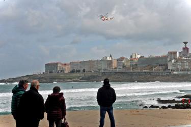 Segunda jornada de búsqueda de la joven desaparecida en la playa coruñesa de Riazor