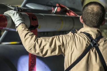 EEUU, Francia y Gran Bretaña ordenan un ataque militar contra Siria