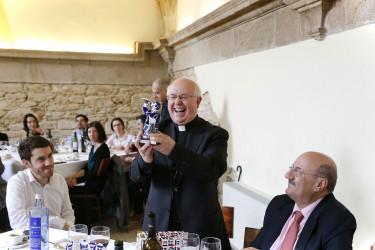 Comida de Monseñor Julián Barrio con periodistas