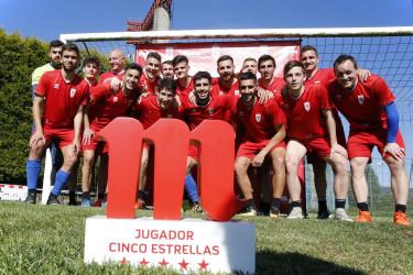 Álvaro Casas premio jugador cinco estrellas del SD Compostela