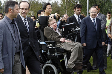 Compostela recibe a Stephen Hawking