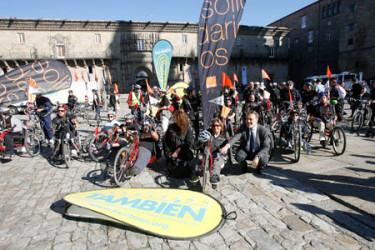 Llegada al Obradoiro de la octava edición de la Ruta Xacobea en Bicicletas Adaptadas