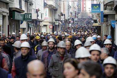 Traballadores de Navantia 'toman' o Concello de Ferrol