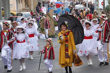 Desfile de disfraces en Porto do Son