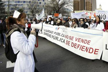 'Marea blanca' en defensa de la sanidad pública en Madrid