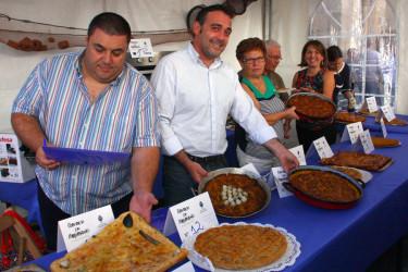 Concurso de empanadas en Noia