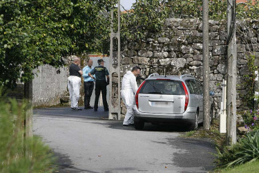 Policia judicial y Guardia Civil investigan el asalto a la casa rectoral de Padrón
