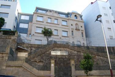 San Francisco. (33-3) Colegio Mariano de Franciscanas. Vigo