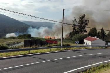 Incendio en la zona de Herbón en  Padrón