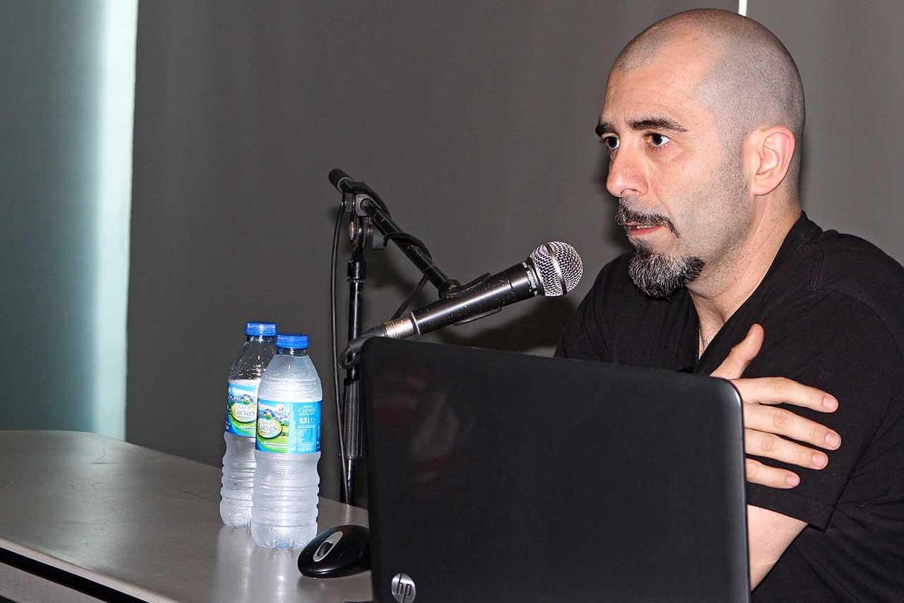 Nikotxán durante unha charla na Hobbycon 2014 - FOTO: Marcus Fernández