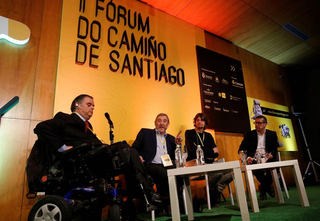 PONENTES en la primera mesa sobre accesibilidad en el Camino - FOTO: Fernando Blanco