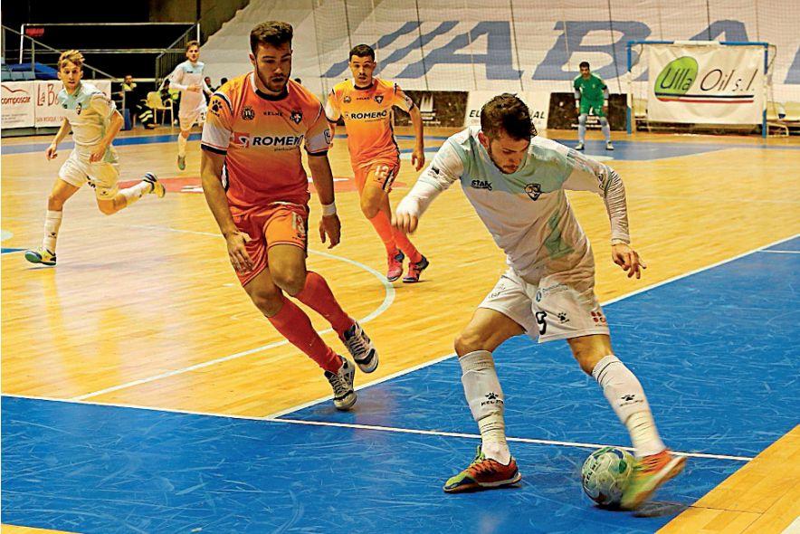 Una jugada del Santiago Futsal-Plásticos Romeros Cartagena del pasado curso - FOTO: ECG